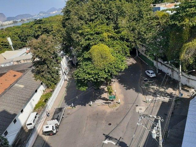 Apartamento ao lado do Complexo Naval Ponta da Armação 2 quartos - Foto 17