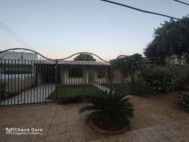 Casa para alugar, 266 m² por R$ 2.600,00/mês - Universitário - Cascavel/PR