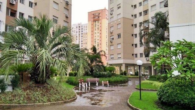 Apartamento com 2 dormitórios à venda, 65 m² por R$ 478.730 - Vila Ipiranga - Porto Alegre