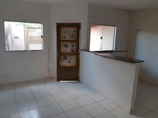 Casa Já financiada. Asfalto, com varanda, 2 quartos e etc. Parcela R$ 570,00. Caiobá - Foto 4