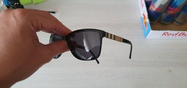 Óculos de Sol Burberry Quadrado BE4181 Masculino - Preto - Foto 4