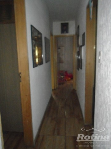 Casa à venda, 4 quartos, 1 suíte, 2 vagas, Residencial Gramado - Uberlândia/MG - Foto 6