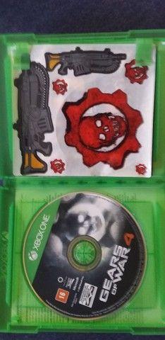 2 jogos de Xbox one usado e mais um filme  - Foto 2