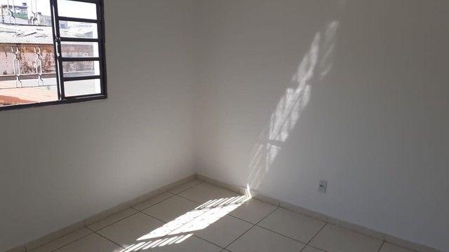 Edifício residencial para venda possui 600 metros quadrados com 14 Kitnets - Foto 8