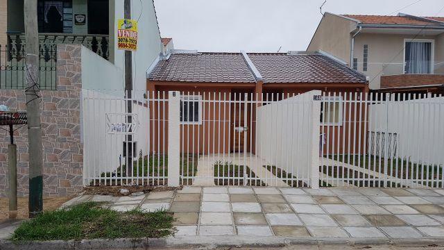 Casa Nova no Sitio Cercado com 02 Dormitórios