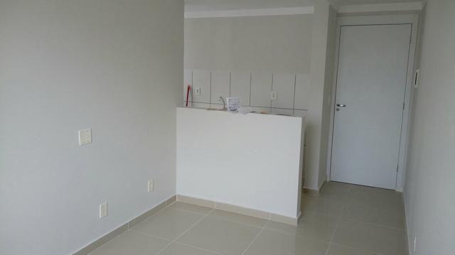 Apartamento novo no porcelanato e decoração de gesso no antares