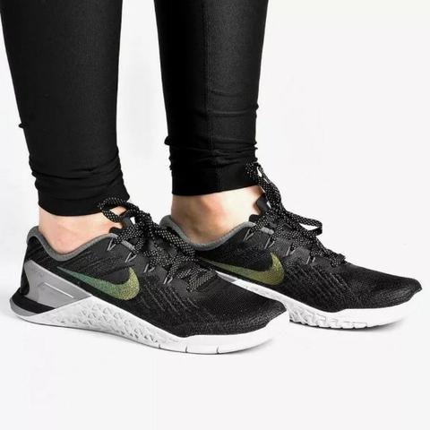 Tênis Nike calçados metcon 3 metallic feminino Roupas e calçados Nike Olímpico 52093c
