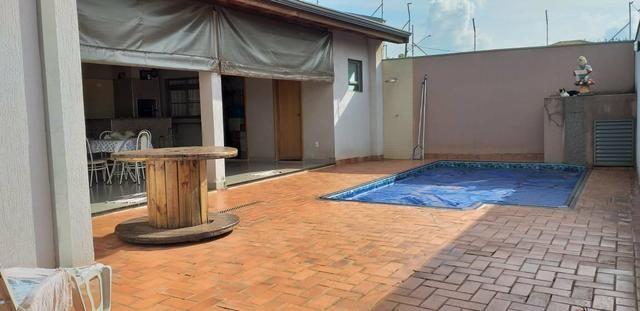 Vende se ou trocar está casa no Jardim botânico em Sertãozinho sp - Foto 19