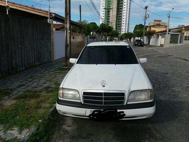 Vendo uma Mercedes c180 sedã ano 1996