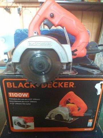 Serra Black Decker nova usada apena 1 vez. c/. 2 disco