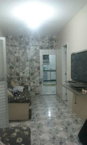 Vendo uma casa grande em plataforma primeiro andar com cobertura com vita para praia - Foto 2