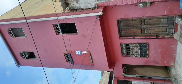 Casa de 2 andares na calçada - Foto 2