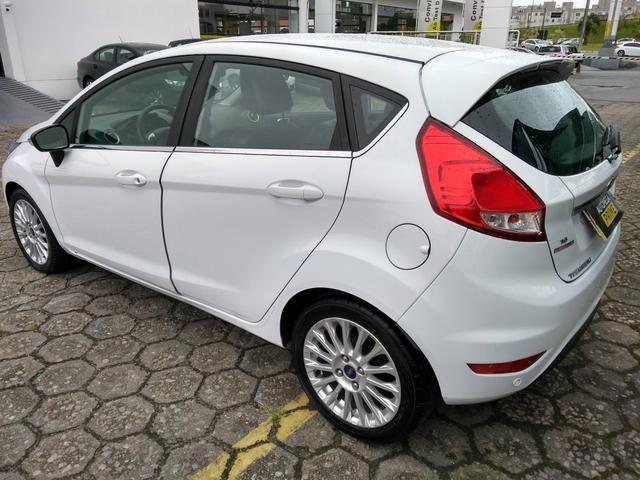 New Fiesta Hatch 1.6 Titanium Automático - Foto 4