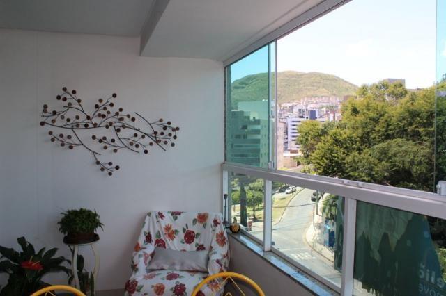 4 quartos, 2 suítes, varanda, elevador, 3 vagas livres, lazer e excelente localização. - Foto 17