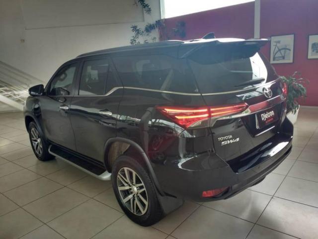Toyota Hilux SW4 SW4 SRX 2.8 4X4 DIESEL 5 LUGARES 2017 - Foto 7