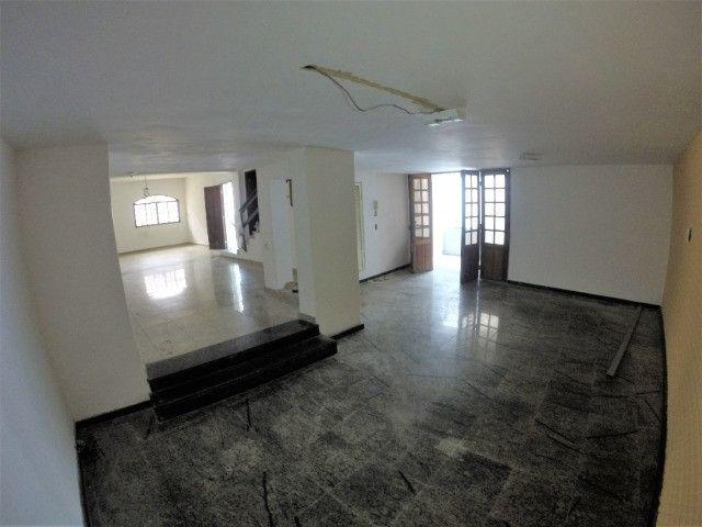 Alugo Casa Comercial / Residencial em Jucutuquara com 387m² e 5 quartos - R$ 5.000 - Foto 5