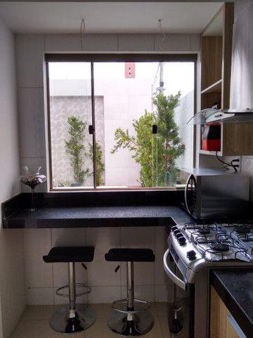 Casa em condomínio fechado, 3/4 um suíte c closet, piscina, área gourmet  - Foto 7