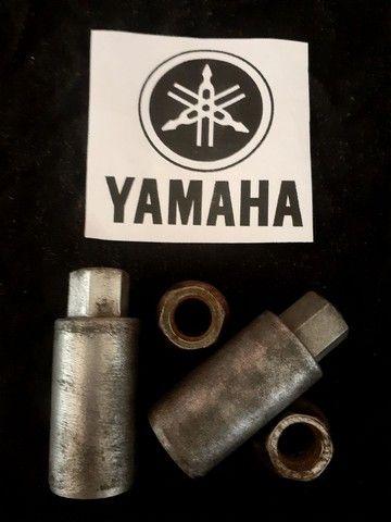 Porcas de fixação do cilindro Yamaha XT600Z TENÉRÉ - Foto 2