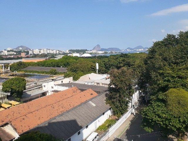 Apartamento ao lado do Complexo Naval Ponta da Armação 2 quartos - Foto 16