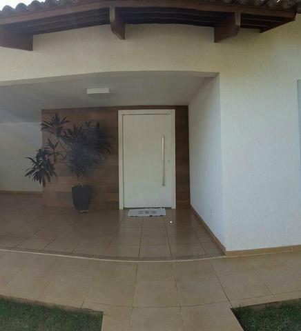 Casa 03 Suítes Plenas- 603 Sul