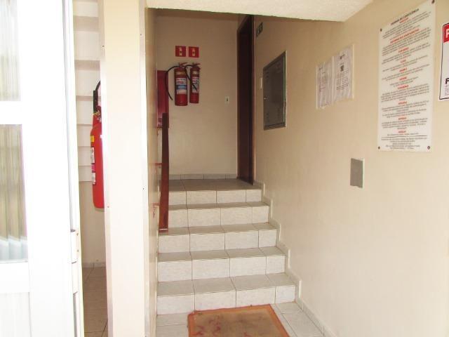 Lindo apartamento reformado condomínio fechado no Balneário de Jacaraípe - Foto 3