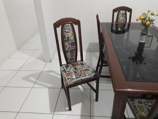 Mesa e cadeiras em madeira maciça - Foto 2