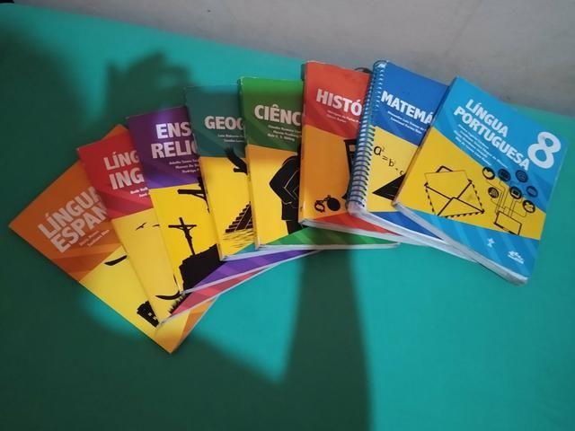 Livros escolares do colégio adventista
