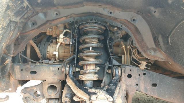 Reforço do suporte da mola da Mitsubishi Triton - Foto 4