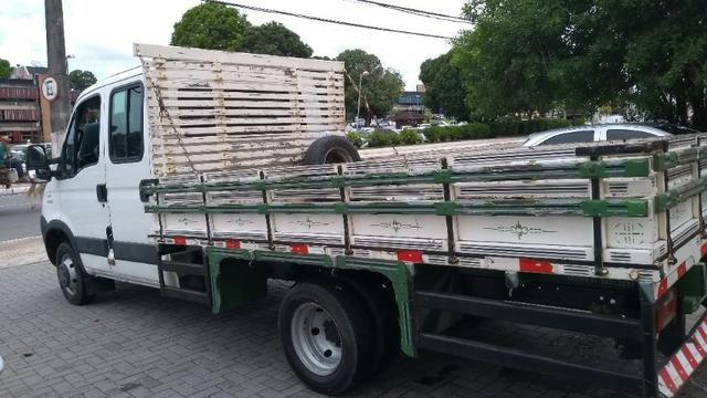 Vendo caminhão Iveco c55/17 12/13 cabine dupla com ar