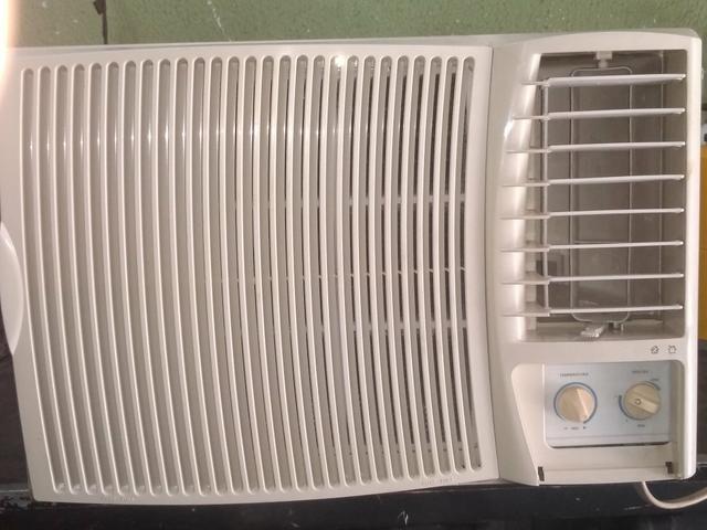 Vendo ar-condicionado 12 mil BTUs marcar Springer 110 volt