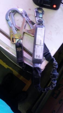 Cinturão paraquedista vendo por 70 reais - Foto 4