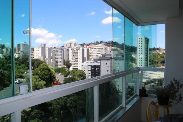 4 quartos, 2 suítes, varanda, elevador, 3 vagas livres, lazer e excelente localização. - Foto 18