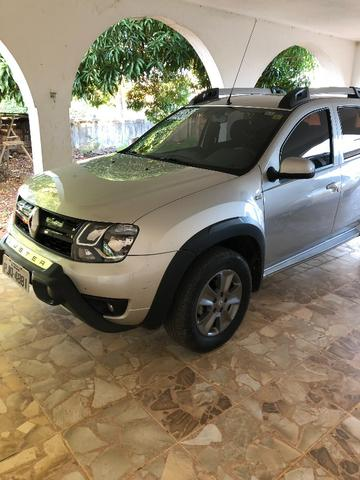 Hilux troca Renault oroch automática - Foto 3