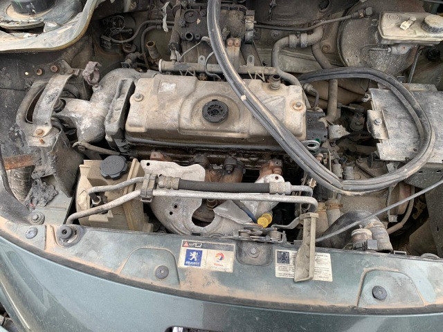 Peugeot 207 Passion 1.4 2010 Sucata para retirada de peças - Foto 6