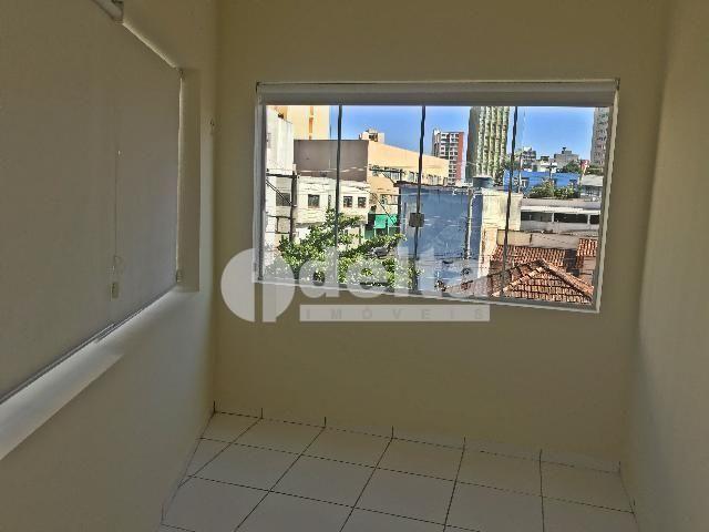 Apartamento para alugar com 3 dormitórios em Centro, Uberlandia cod:603197 - Foto 9