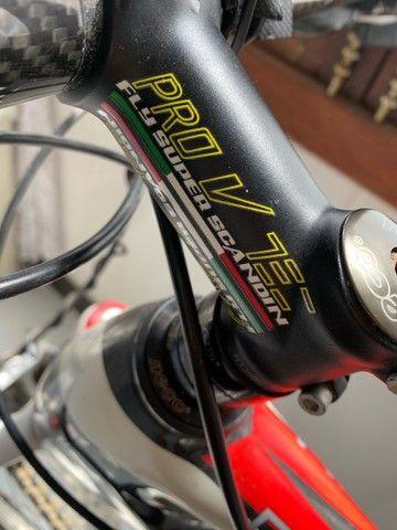 Bicicleta aro 26 fibra de carbono - Foto 3