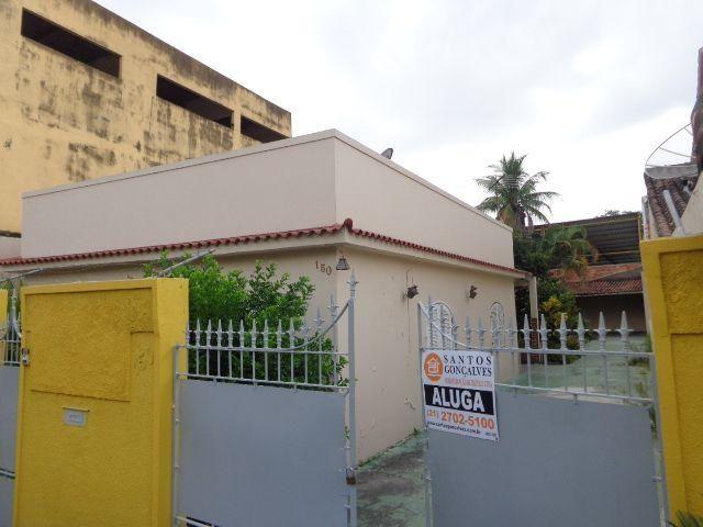 Casa no Alcântara - 02 Quartos - Garagem - São Gonçalo - Rio de Janeiro
