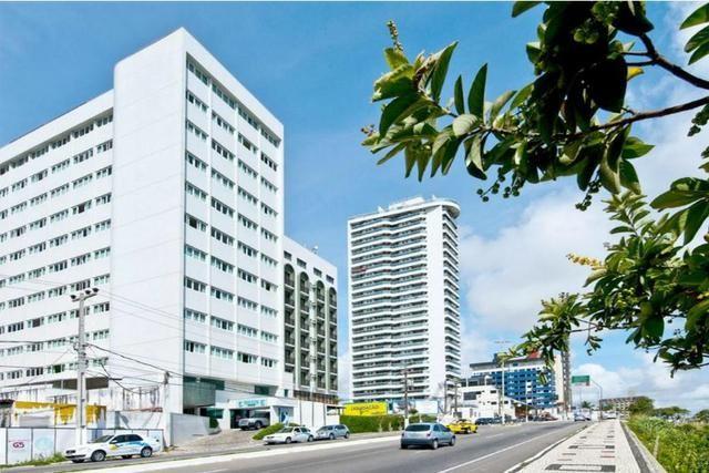 Vendo Flat mobiliado na Avenida Roberto Freire, em Ponta Negra vista Mar