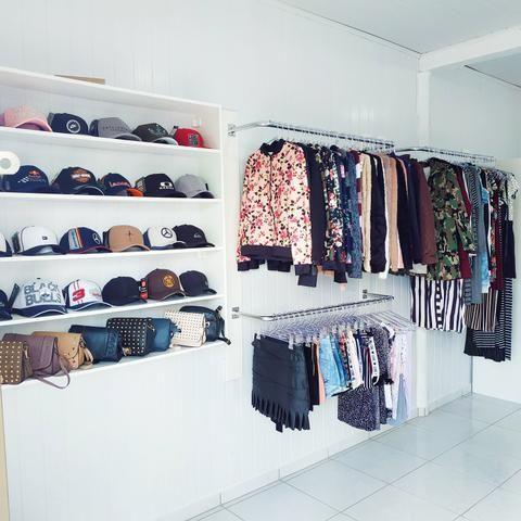 742d847c7 Loja de roupas femininas (Leia o anúncio) - Comércio e indústria ...