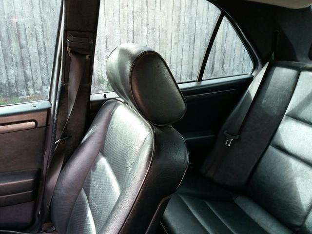 Vendo uma Mercedes c180 sedã ano 1996 - Foto 5