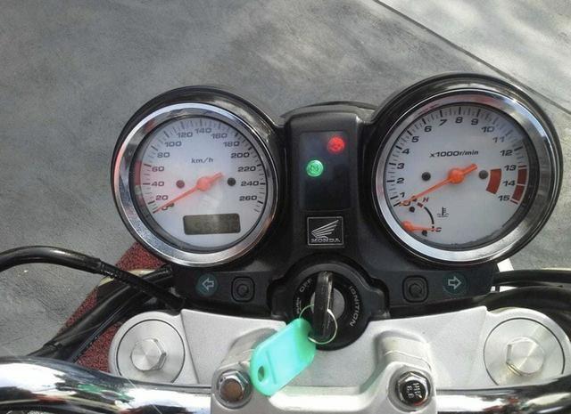 Honda Hornet - Foto 2