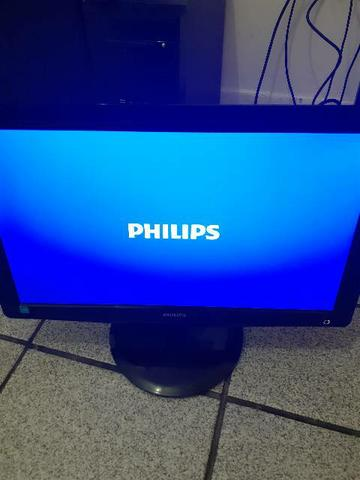 Monitor LCD Phiplips LED 18.5 VGA E DVI