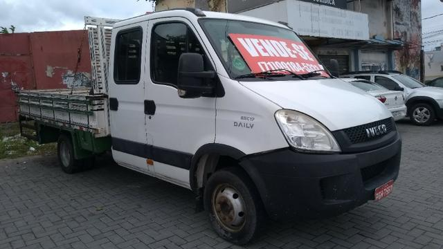 Vendo caminhão Iveco c55/17 12/13 cabine dupla com ar - Foto 4