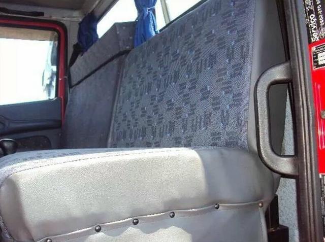 Caminhão Mercedes caçamba L1620