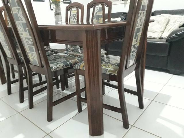 Mesa e cadeiras em madeira maciça - Foto 3