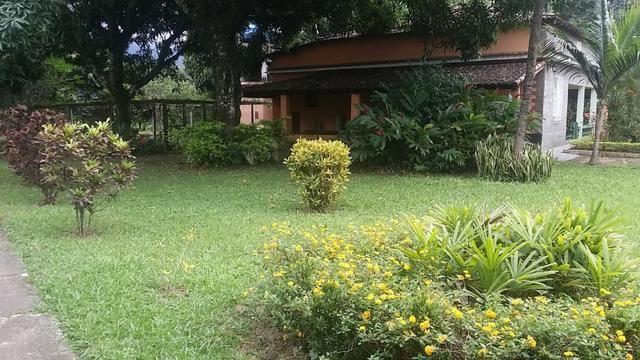 Sítio 9.000 m² com 2 casas - piscina - área social - todo murado - Itaguaí - Foto 5
