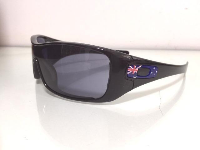 Óculos De Sol Oakley Batwolf Austrália Polarizado - Preto ... 2c0a011ae4