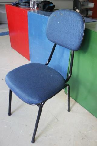 Cadeira de Escritório em Ferro / Tecido Azul - Foto 3