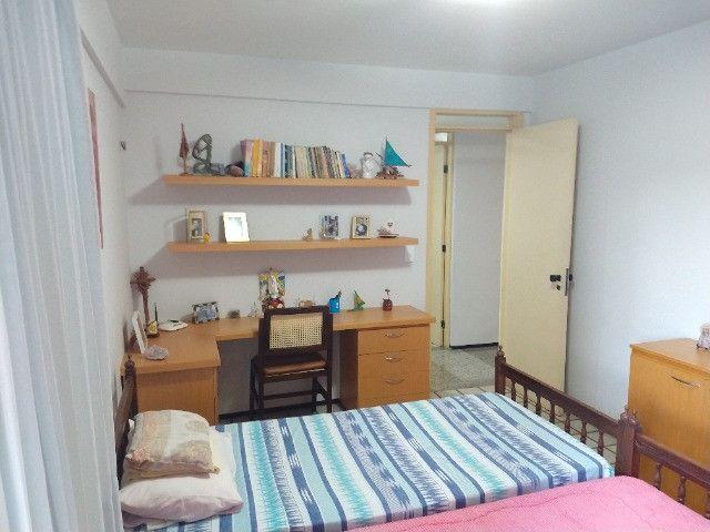 Apartamento Nascente no melhor do Bairro Meireles ao poucos metros da Beira Mar - Foto 3