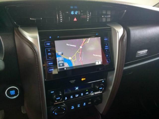 Toyota Hilux SW4 SW4 SRX 2.8 4X4 DIESEL 5 LUGARES 2017 - Foto 5